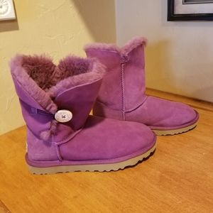 NWOT Ugg Bailey Button Boots Size 8